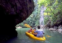 Seakayaking in Phang Nga Bay (Photo: SeaCanoe)